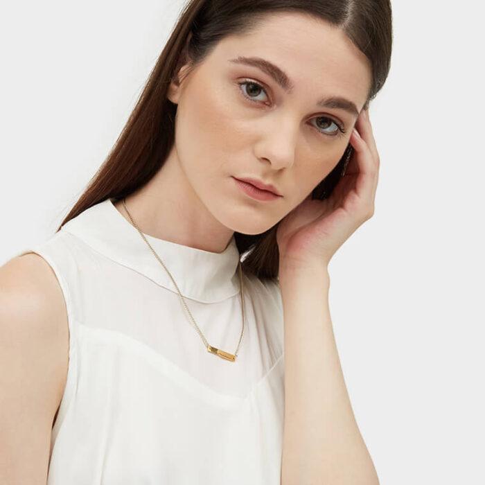 Model gold bar necklace